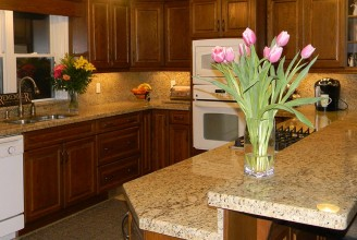 Giallo Ornamental Dark with Full Height Backsplash