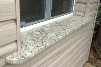 Giallo Ornamental Light Outdoor Windowsill